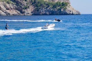 El nuevo ABJET es perfecto para wakeboarding.